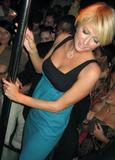 Here's Paris Hilton posing in her army-slut costume at club LAX Halloween night.... Foto 814 (��� ����� ������ ���������� � �� ����� ����� ������� � ����� LAX �������� ����� .... ���� 814)