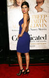 th_38449_celebrity-paradise.com-The_Elder-Lake_Bell_2009-12-09_-_NY_Premiere_Of_Its_Complicated_122_113lo.jpg