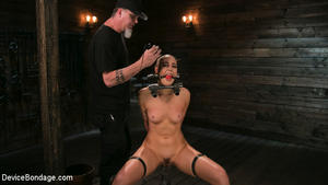 DEVICE BONDAGE: December 14, 2017 – Lilith Luxe and The Pope