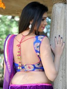 backless saree sex