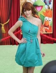 http://img191.imagevenue.com/loc84/th_595790170_Bella_Thorne_The_Muppets_Premiere_Hollywood_122_84lo.JPG